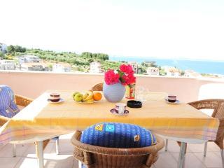 Sunny apartment with big balcony - Podstrana vacation rentals