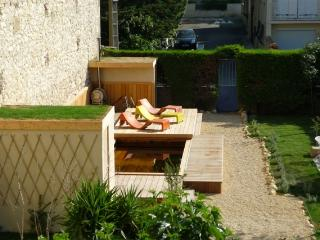 Apartment 6 in house XIX  with big outdoor jacuzzi - Aude vacation rentals