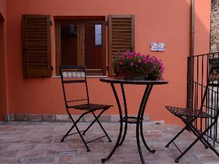 Cozy 1 bedroom House in Montorio al Vomano with Internet Access - Montorio al Vomano vacation rentals