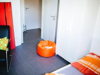 Kleines Appartement in Degerloch nahe Stadtbahn - Stuttgart vacation rentals