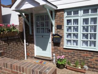 Cozy Eastbourne Cottage rental with Satellite Or Cable TV - Eastbourne vacation rentals