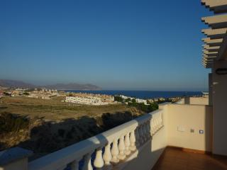 Stunning 3 Bed Villa, Pool,Nr Beach, Air con, WiFi - Puerto de Mazarron vacation rentals