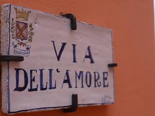 Nice House with Internet Access and A/C - Montorio al Vomano vacation rentals