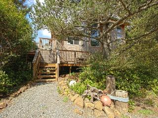 ALEXANDRA (THE) ~ MCA#117 ~Modern two story home close to town and the beach. - Manzanita vacation rentals