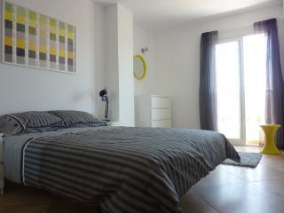 Stunning 3 Bed Villa, Pool,Nr Beach, Air con, WiFi - Puerto de Mazarron vacation rentals