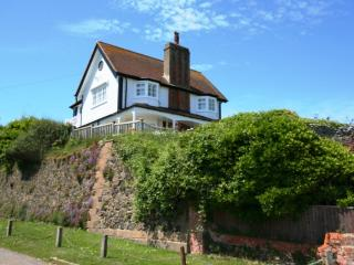 An outstanding seaside holiday home - Kingsdown vacation rentals