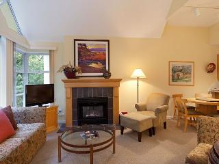 Woodrun Lodge 612 | Upgraded 1 Bedroom + Den, Ski-in/Ski-Out , Shared Hot Tub - Whistler vacation rentals