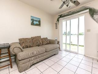 1BR/1BA Waterfront House in Holiday Beach, Sleeps 4 - Rockport vacation rentals