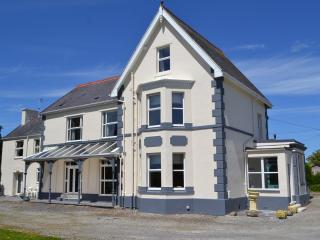 Muriau Park - VERY LARGE Detached Victorian House - Caernarfon vacation rentals