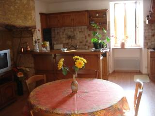 2 bedroom House with Internet Access in Les Eyzies-de-Tayac - Les Eyzies-de-Tayac vacation rentals
