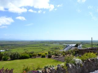 Beautiful Caravan with WONDERFUL VIEWS on Anglesey - Llanerchymedd vacation rentals
