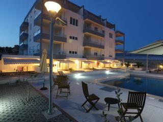 Apartment Kamelija A1 - Split vacation rentals