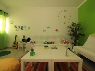 Nice 4 bedroom Guest house in Peniche - Peniche vacation rentals