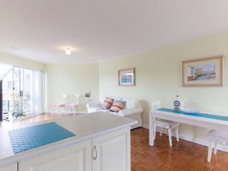 Bright 1 bedroom Condo in South Perth with Internet Access - South Perth vacation rentals