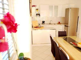 Comfortable Condo with Internet Access and A/C - Podstrana vacation rentals
