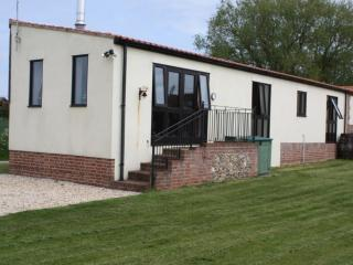 Romantic 1 bedroom Acle Cottage with Television - Acle vacation rentals