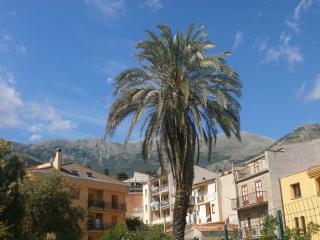 Grazioso appartamento per le vacanze a Castelbuono - Castelbuono vacation rentals