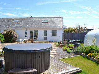 Luxury Apartment at Trearddur Bay with Hot Tub - Trearddur Bay vacation rentals
