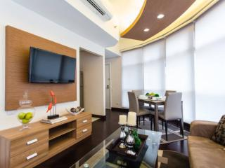 Luxurios 1BR at Twin Oak Tower Near Shangrila Mall - Mandaluyong vacation rentals