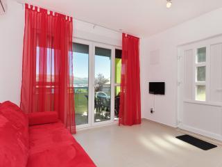 TH00703 Apartments Kelam / A1 One bedroom - Okrug Donji vacation rentals