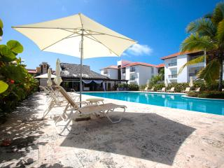 TERRIFIC 140m2 & JACUZZI, Steps to Plaza Bavaro. - Bavaro vacation rentals