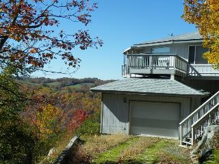 Marvelous Panoramic Mountain Views with Privacy, SKIING close by! - Beech Mountain vacation rentals