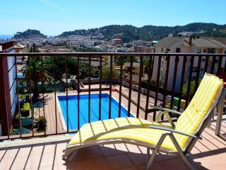 Nice 3 bedroom Apartment in Tossa de Mar with Internet Access - Tossa de Mar vacation rentals