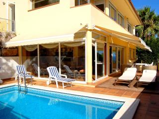 4 bedroom Villa with Internet Access in Blanes - Blanes vacation rentals