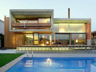 Villa Santa Monica - Alto Standing - Macanet de la Selva vacation rentals