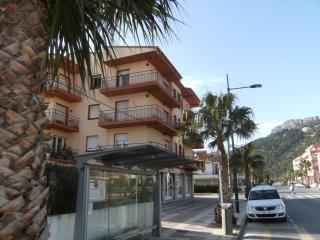 Nice Condo with Washing Machine and Television - L'Estartit vacation rentals