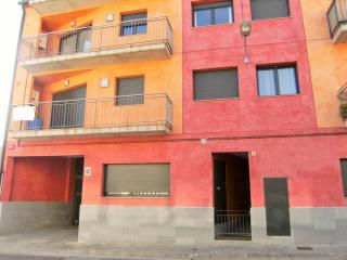 Nice Condo with Washing Machine and Television - Torroella de Montgri vacation rentals