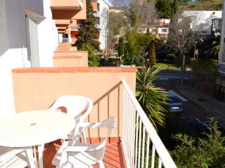 Soleado Apartamento cerca de la playa - Tossa de Mar vacation rentals