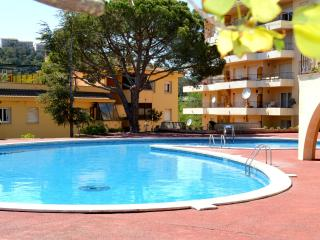 Nice House with Internet Access and Shared Outdoor Pool - Tossa de Mar vacation rentals