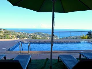 Bright Lloret de Mar Villa rental with Internet Access - Lloret de Mar vacation rentals