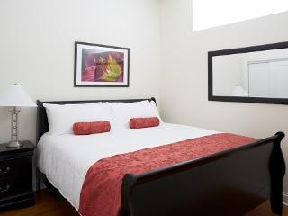 Boutique Apartment Hotel near Wrigley - 1 Bedroom - Chicago vacation rentals