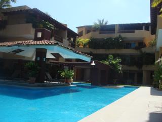 2 bedroom Apartment with Internet Access in Zihuatanejo - Zihuatanejo vacation rentals