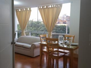 Beautifull apt close to the Beach-Lima CT - Lima vacation rentals