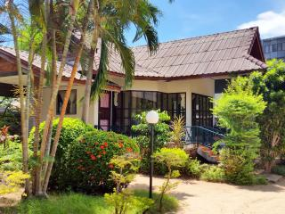 Chaweng 1 Bedroom House near Beach - Surat Thani vacation rentals