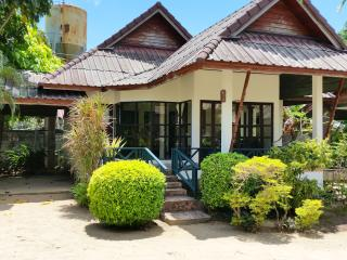 Chaweng 2 Bedroom House near Beach - Surat Thani vacation rentals