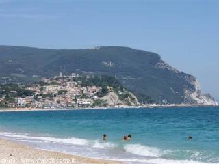 a 100 metri dal mare!!!! Spiaggia privata inclusa - Marcelli di Numana vacation rentals