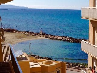 Appartamento La Dimora Siciliana fronte mare - Trapani vacation rentals