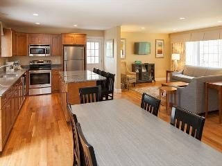 Perfect 4 bedroom West Yarmouth House with Shared Outdoor Pool - West Yarmouth vacation rentals