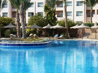 Perfect 2 bedroom Makadi Bay Apartment with Internet Access - Makadi Bay vacation rentals