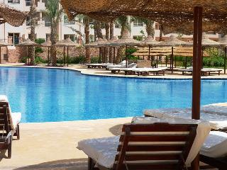 Perfect Condo with A/C and Shared Outdoor Pool - Makadi Bay vacation rentals