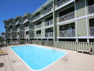 Driftwood Villas 4C - Enjoy this fantastic one bedroom oveanview condo! - Carolina Beach vacation rentals