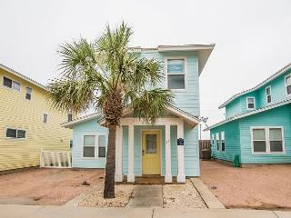 Blue Mustang, 3/3.5, Pool Across from Unit, Pet Friendly - Port Aransas vacation rentals