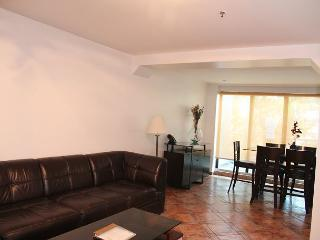 2 bedroom Apartment with Internet Access in Miami Beach - Miami Beach vacation rentals