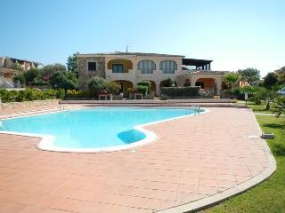 Apartment with swimming pool Monte Petrosu - Monte Petrosu vacation rentals