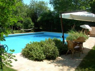 4 bedroom Bed and Breakfast with Deck in Torre de' Passeri - Torre de' Passeri vacation rentals