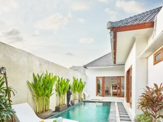 Bella 2BR Villa In Seminyak,15min walk 2 the beach - Seminyak vacation rentals